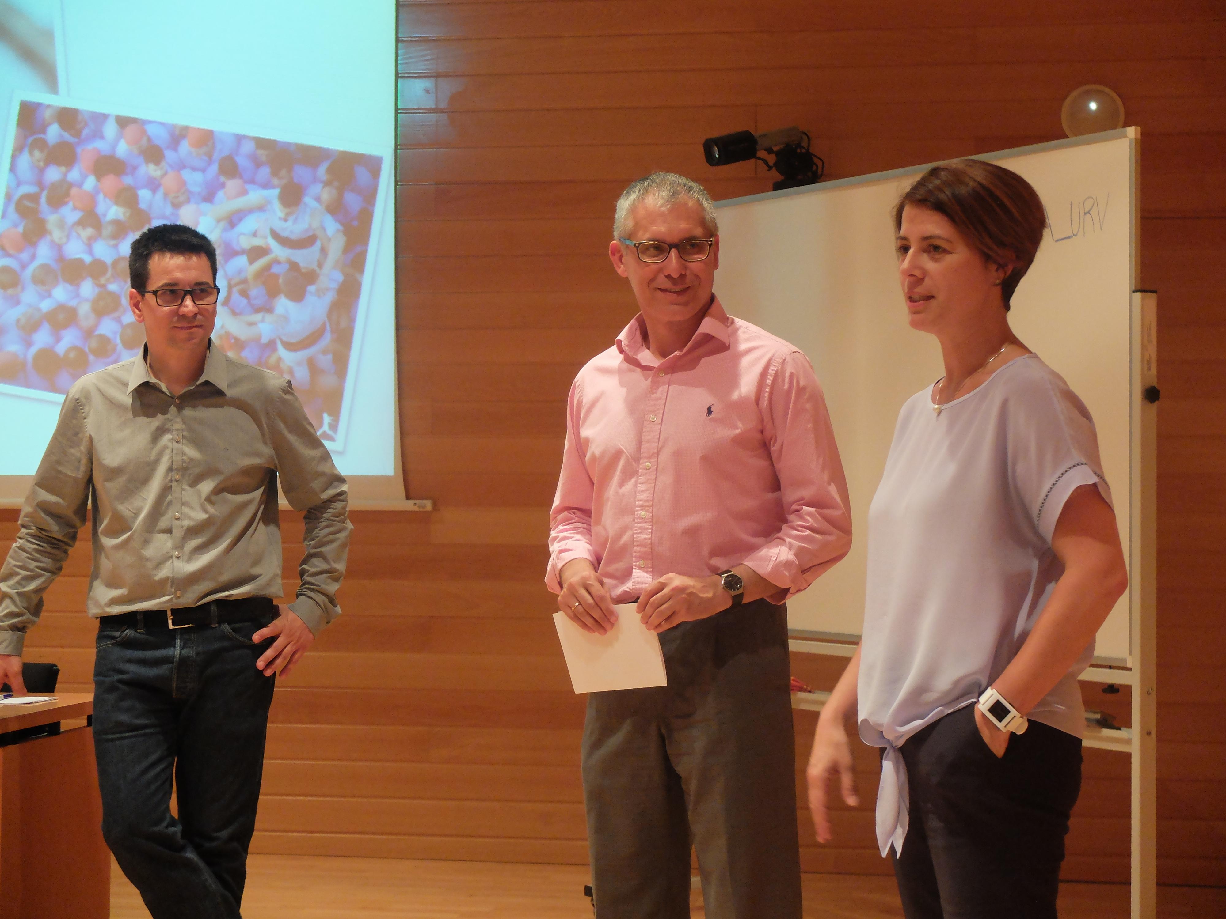 D'esquerra a dreta: Pere Marc Franquet, exalumne 13a edició; Joan Ramon Alabart, director de l'MBA URV; Cristina Subirana, presidenta de l'ALUMNI MBA URV
