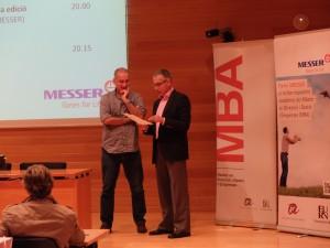 De izquierda a derecha: Jordi Palomar y Joan Ramon Alabart, director del MBA-URV, en el inicio de la conferencia inaugural de la 21.ª edición del MBA-URV.