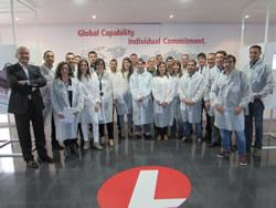 Alumnes de la 19a edició de l'MBA-URV a la visita a Lear Corporation.